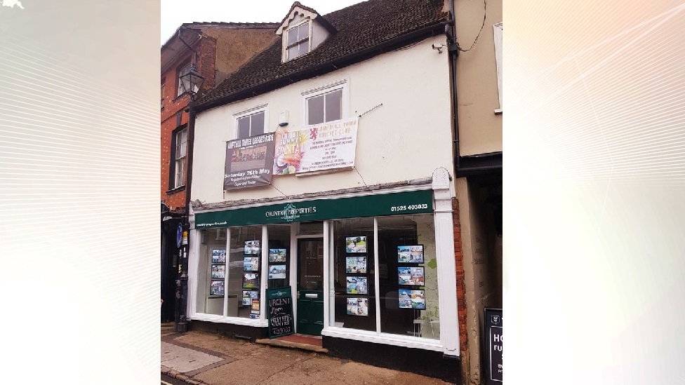 Ampthill estate agent in legal row over event banners