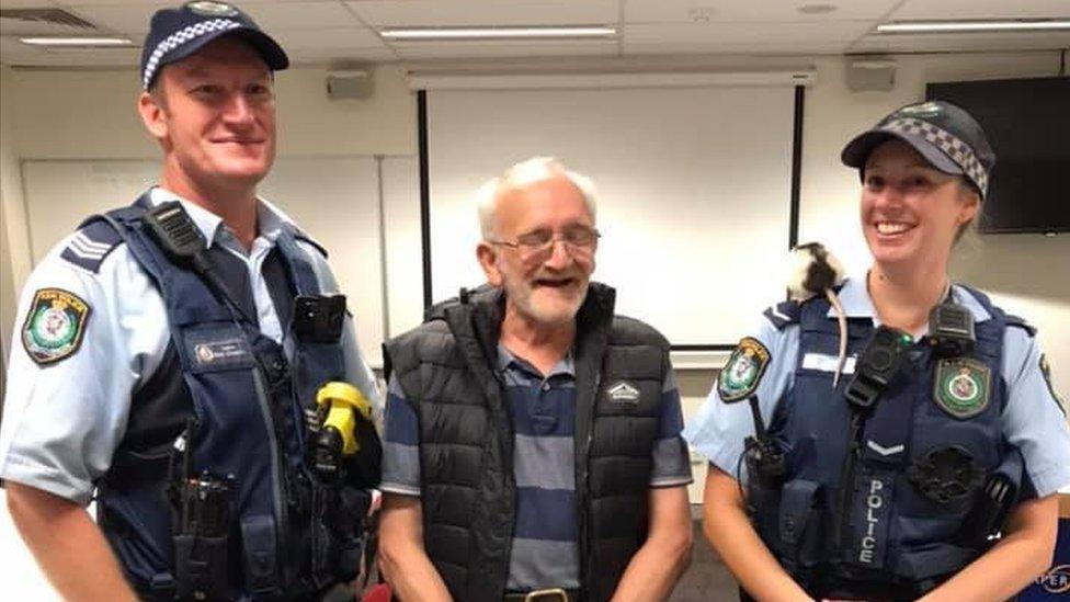 Kris i Lusi sa policajcima