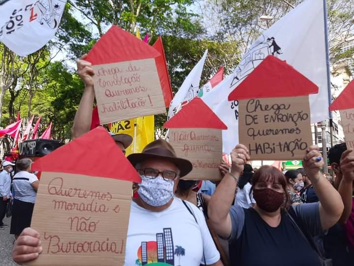 Ativistas do projeto Despejo Zero fazem protesto contra despejos na pandemia