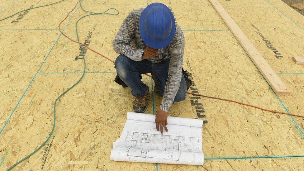 Bir mimar çalışırken
