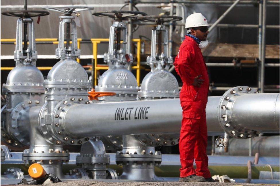 تعتمد السعودية على النفط في 60 في المئة من وارداتها