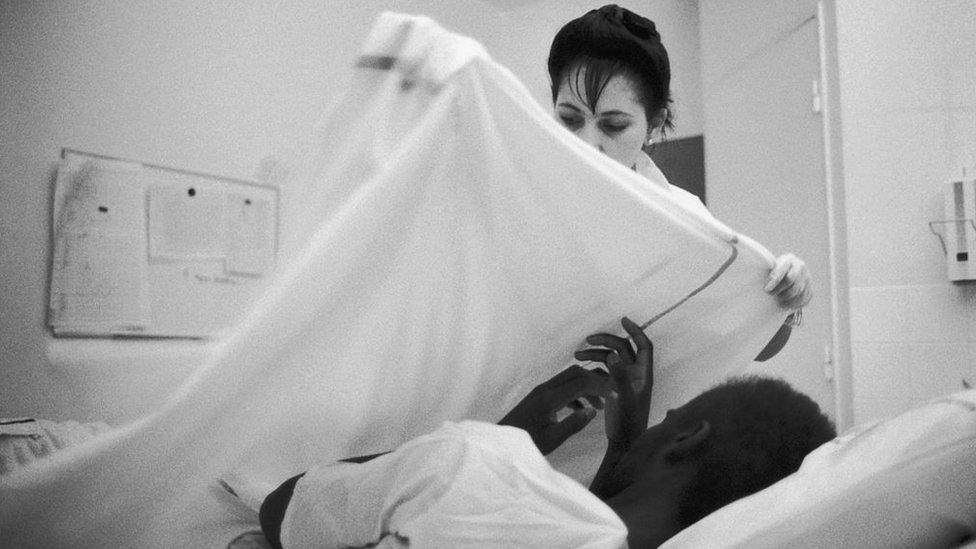 Un paciente de VIH en un hospital
