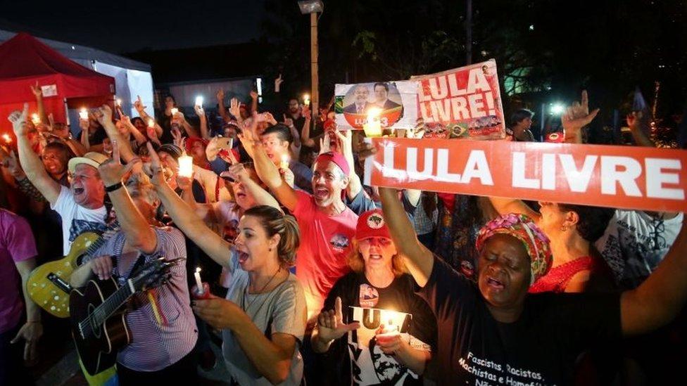Manifestantes a favor de Lula