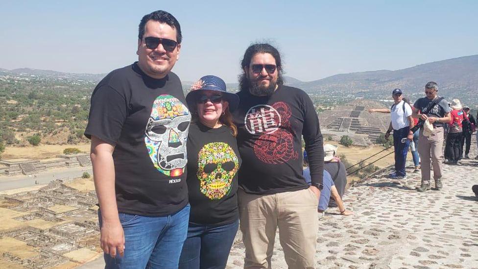 Lorena Mayén visitó junto a sus hijos las pirámides de Teotihuacán