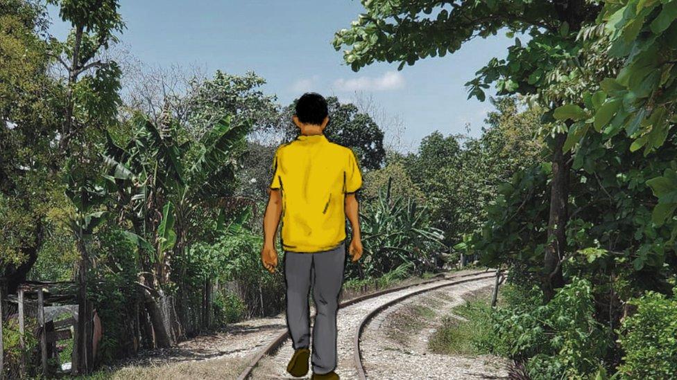 Eduardo en la via del tren