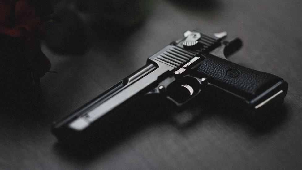 П'ять кілерів перезамовляли вбивство одного чоловіка. Він живий, їх арештували