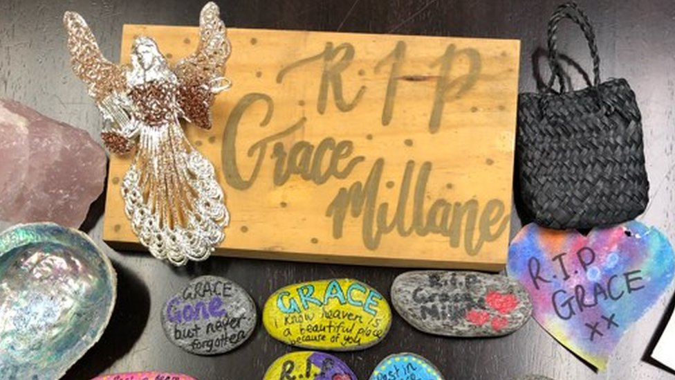 Grace Millane: Tributes posted to family from New Zealand