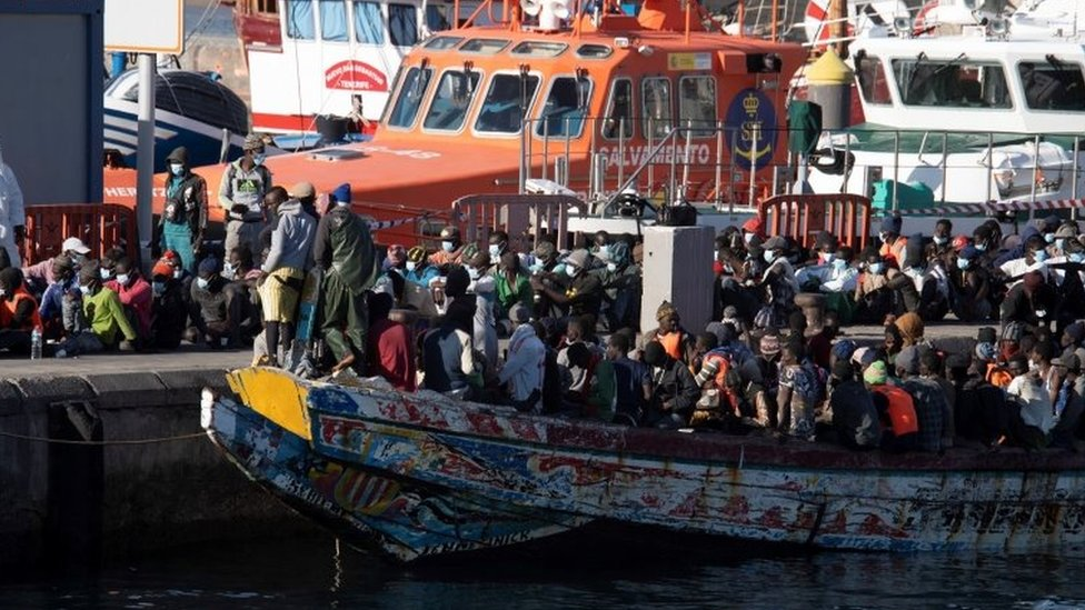 Canary Islands Sees 1,600 Migrants Arrive Over Weekend