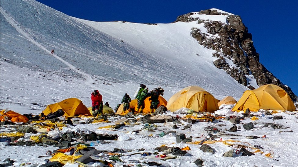 Everest: los cadáveres que están quedando expuestos con el derretimiento de los ...