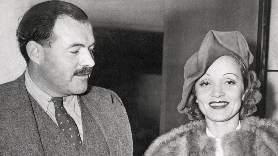 Ernest Hemingway con Marlene Dietrich