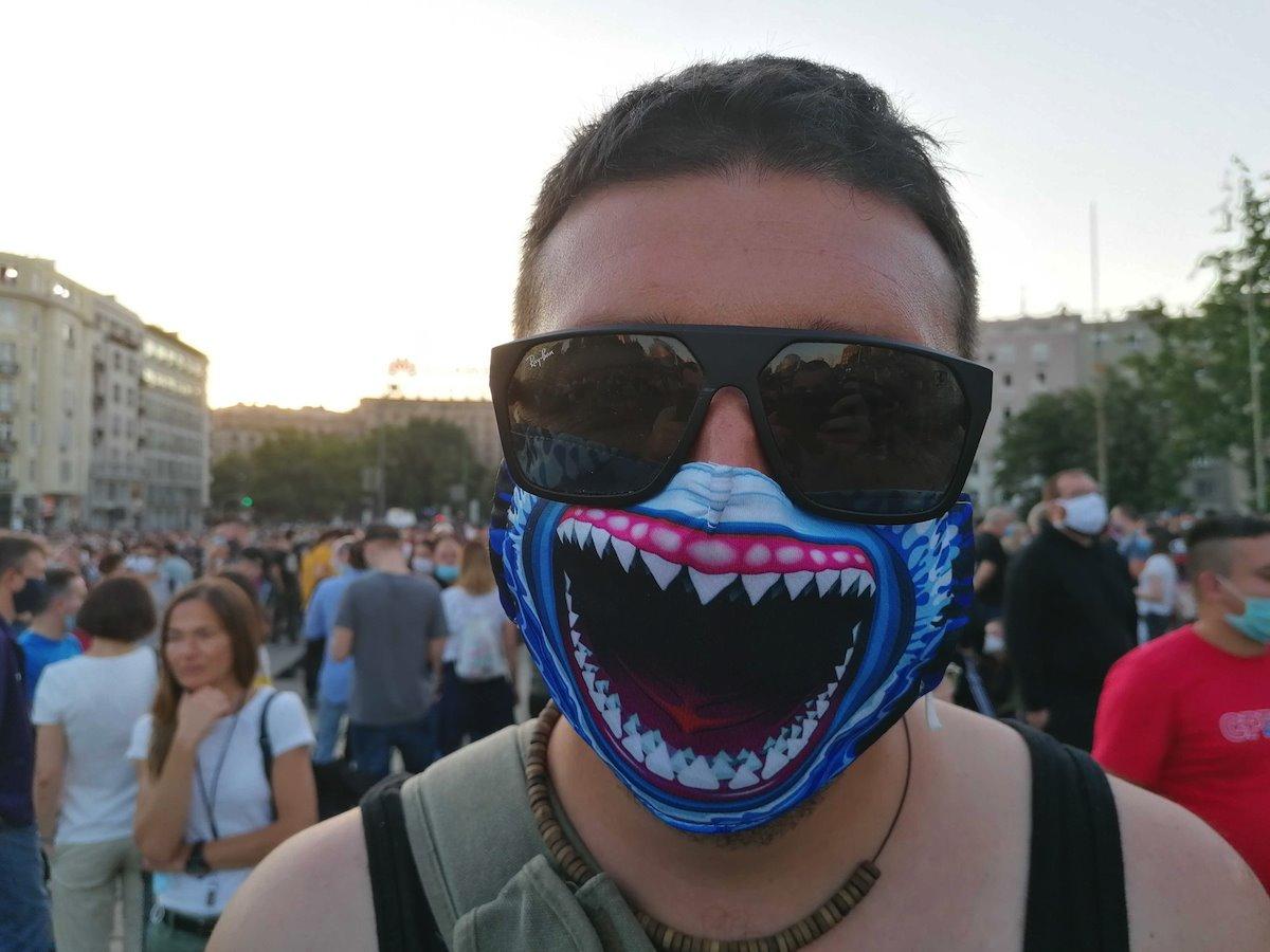 maska korona virus