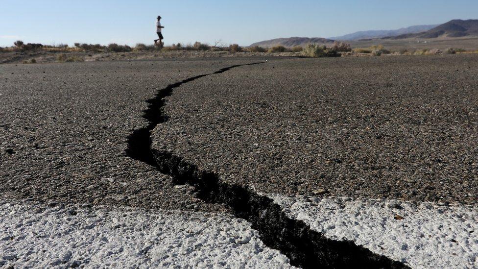 زلزال كاليفورنيا