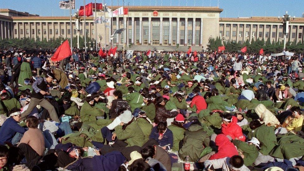 Huelga de hambre de estudiantes en Tiananmen en mayo de 1989.