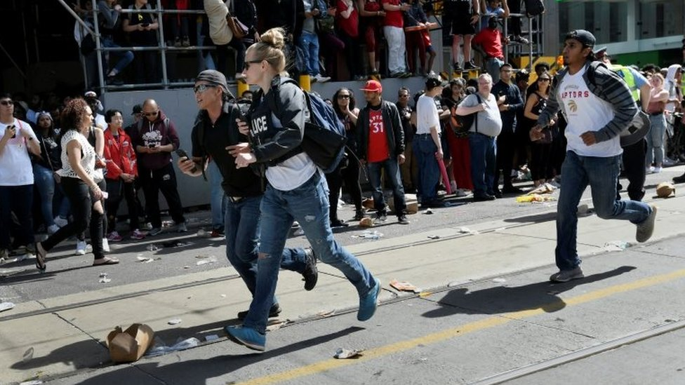 Toronto Raptors: Four people injured in victory parade shooting