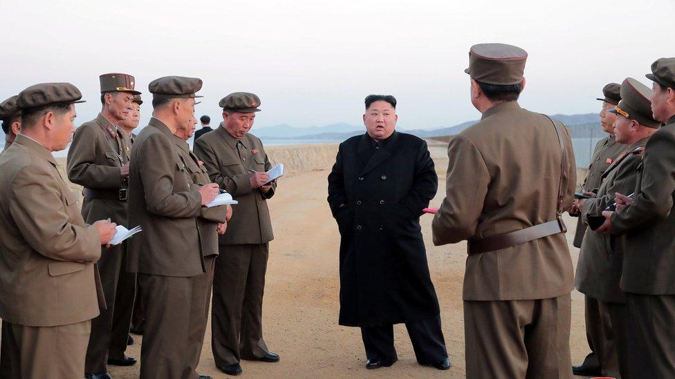الزعيم الكوري الشمالي بعد تجربة السلاح الجديد