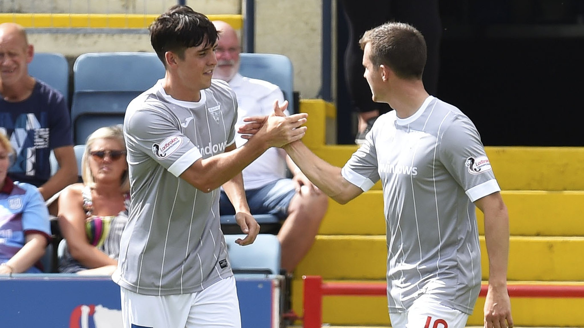 Dunfermline beat Dundee in Scottish League Cup
