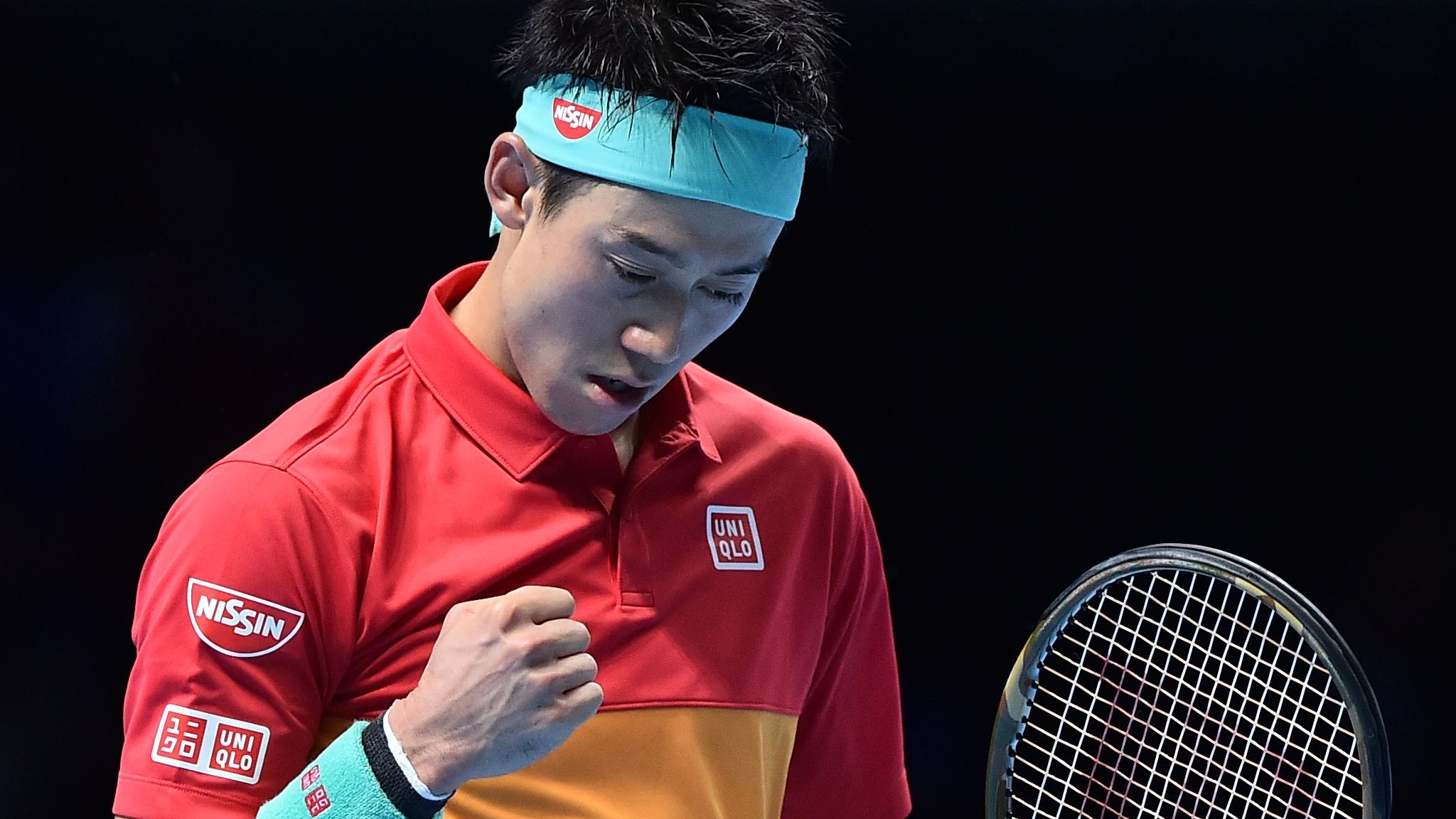 Out-of-sorts Federer loses to Nishikori in ATP Finals opener