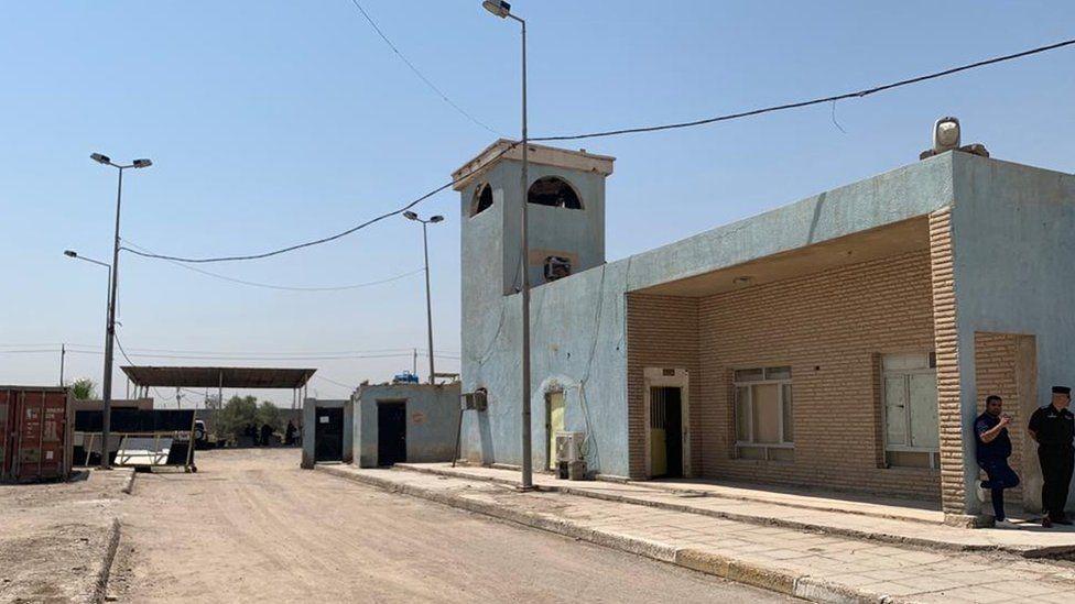 معسكر ستيفن في البصرة الذي قيل إن الانتهاكات حدثت فيه