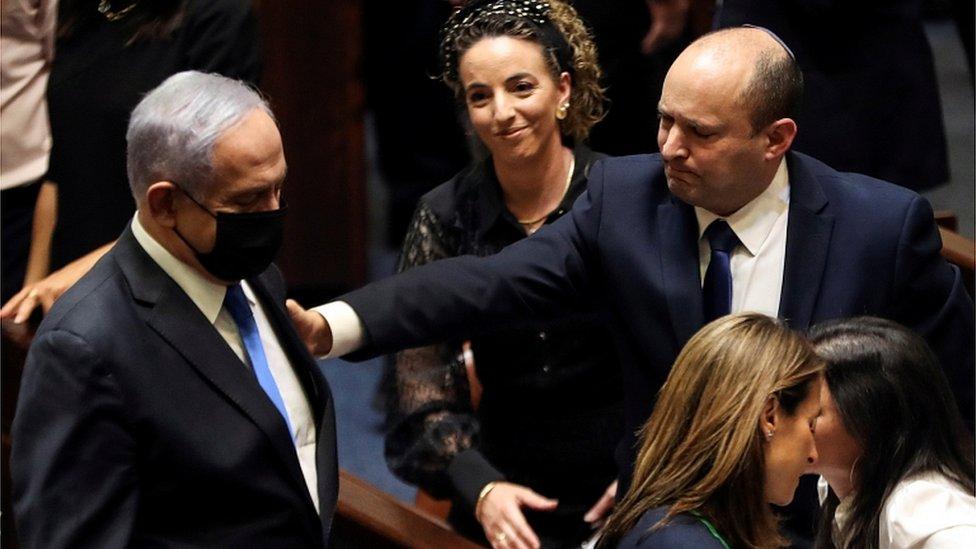 В Израиле - новый премьер и новое правительство. Нафтали Беннет положил конец эпохе Нетаньяху