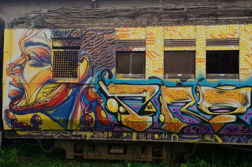 Train with grafitti