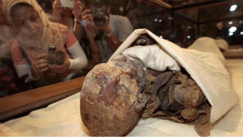 مومياء أحد ملوك مصر القديمة