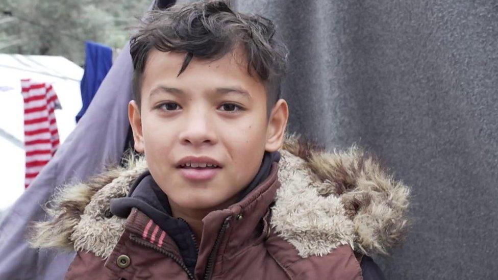 Hambre, falta de atención médica y frío: la inquietante situación de los niños en un campamento de refugiados en la isla griega de Lesbos.