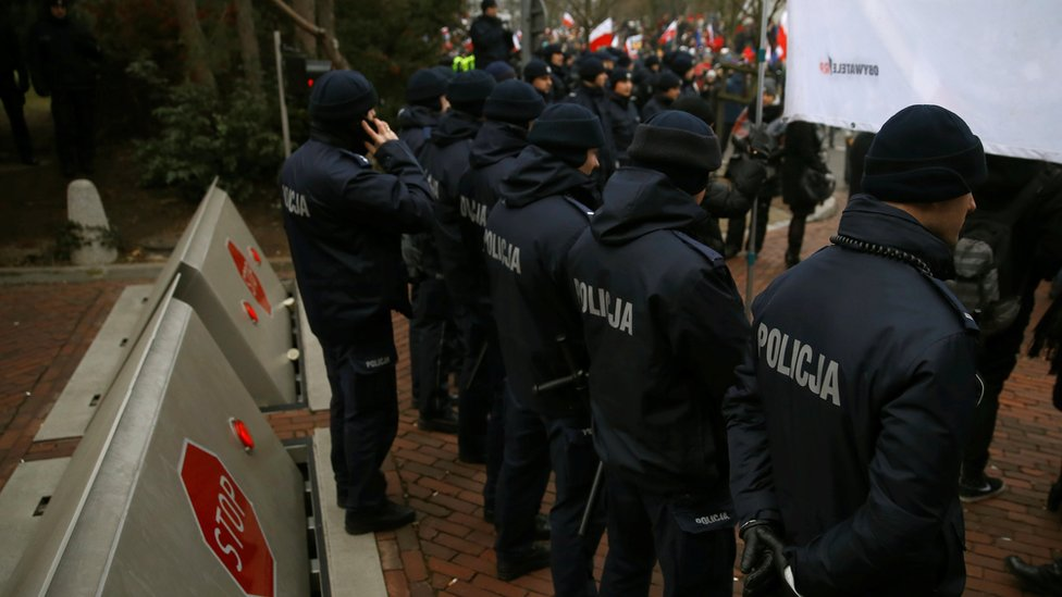 Police block access to parliament building during a protest in Warsaw, Poland, December 17, 2016