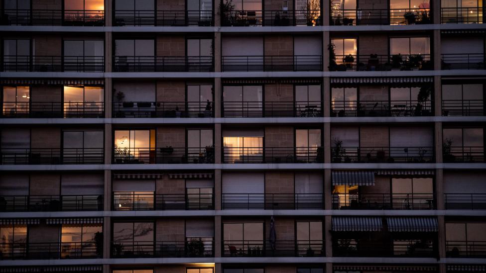 zgrada prozori samoizolacija