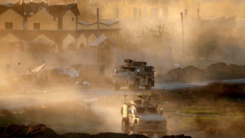 Tropas de EE.UU. ayudaron a los kurdos a expulsar a EI del noreste de Siria.