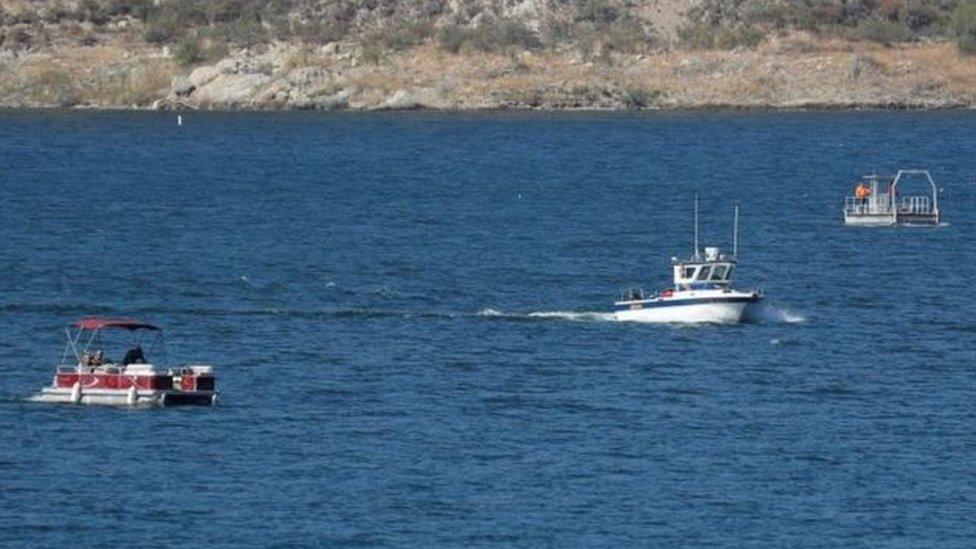 近上百人參加了搜救和尋找里維拉的行動。