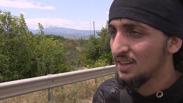 Migrant who has left Idomeni camp
