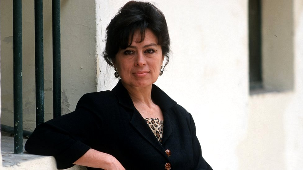 Laura Restrepo.