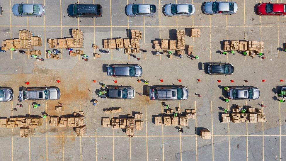 Cars lining up at the San Francisco-Marin Food Bank