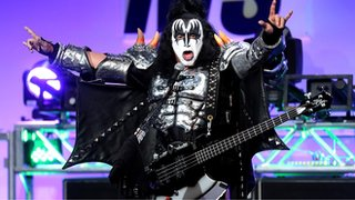 Gene Simmons drops devil horns trademark bid