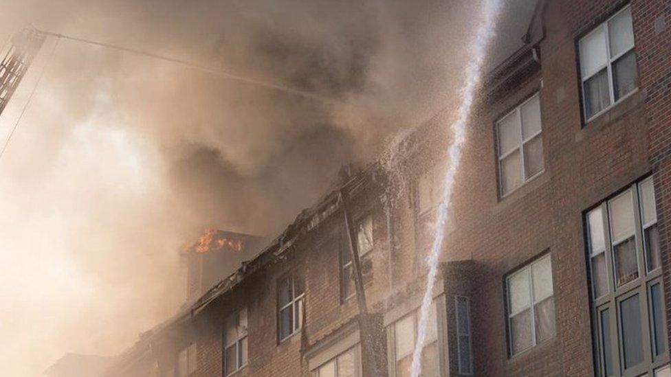 Čovek pronađen živ u zgradi u Vašingtonu, nekoliko dana nakon požara