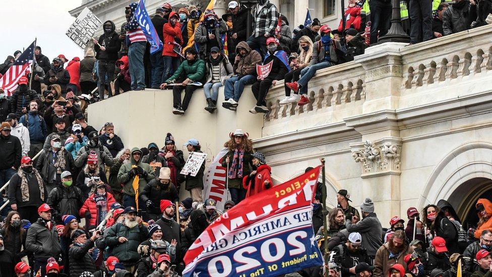 متظاهرون ملأوا المكان قبل اقتحام مبنى الكونغرس.