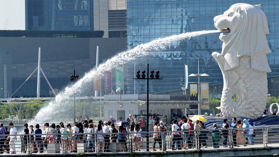 Singapore's famous merlion statue