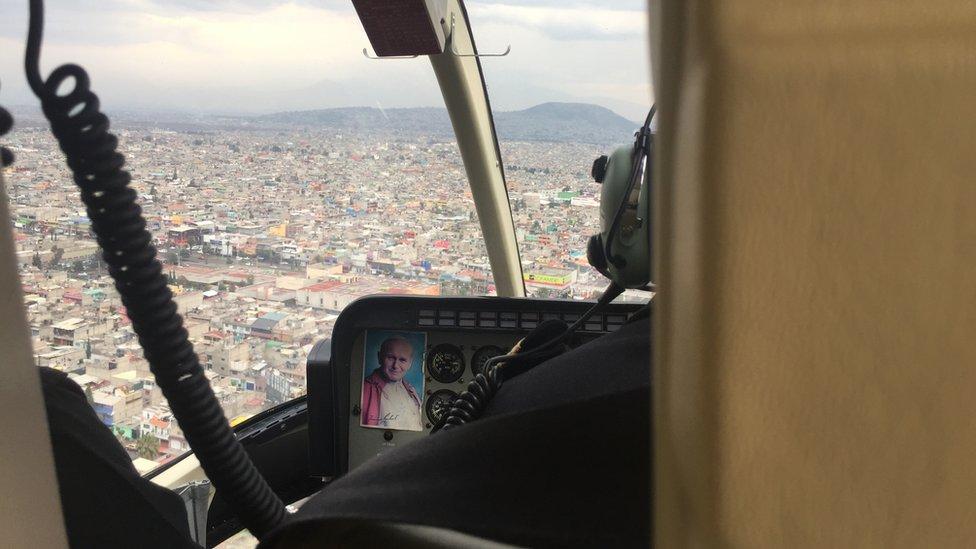Una vista aérea de Ciudad Nezahualcóyotl desde un helicóptero