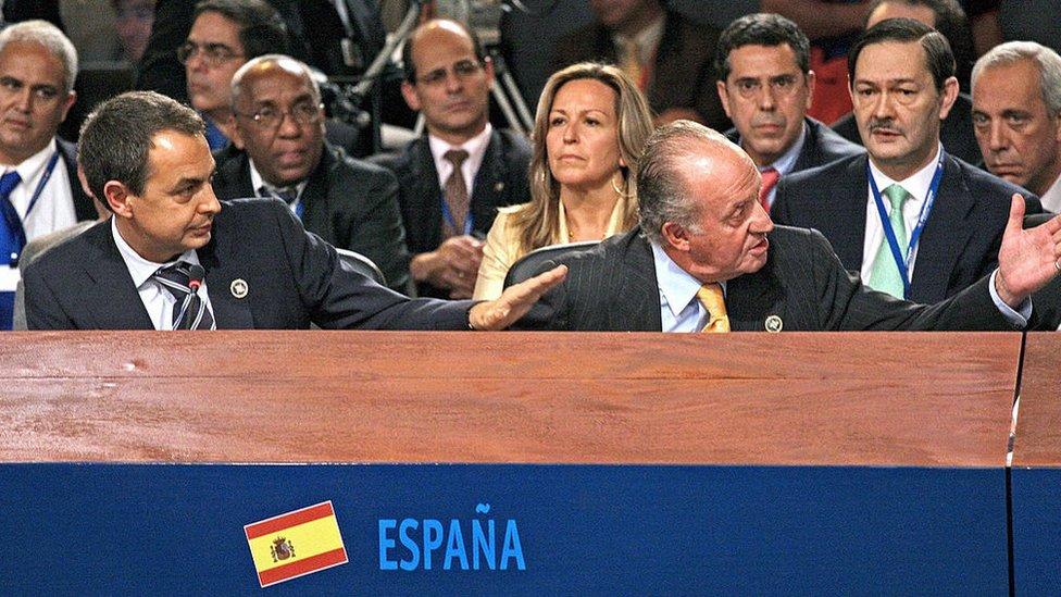 José Luis Rodríguez Zapatero y Juan Carlos I en la cumbre iberoamericana de 2007 en Santiago de Chile