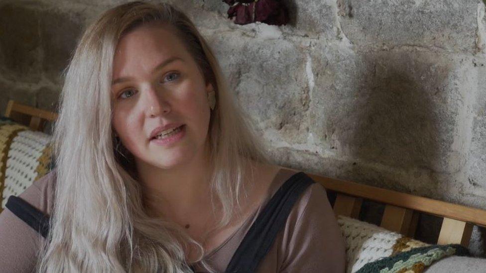 Heidi, actriz de películas eróticas.