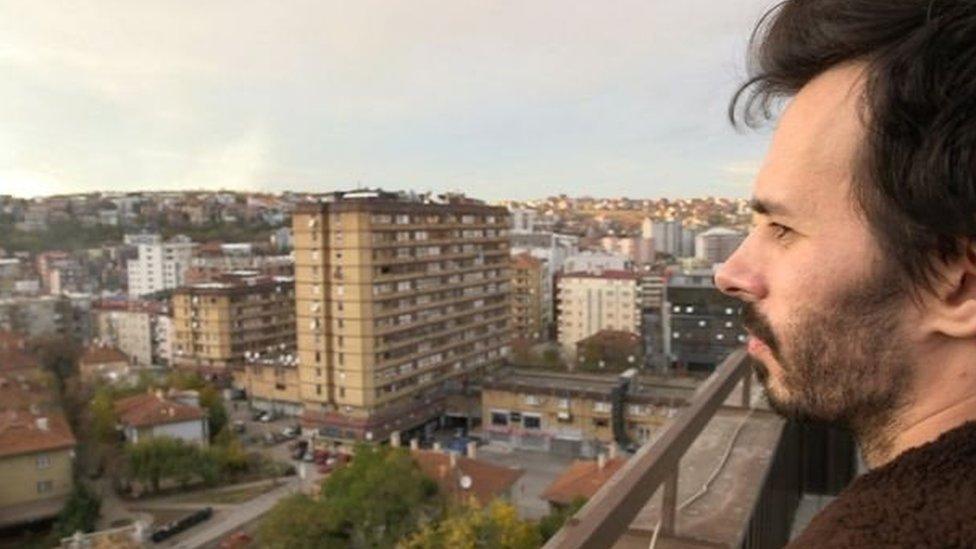 بريشتينا هي عاصمة كوسوفا، ويبدو أنها مركز رئيسي لصناعة كليك بيت والأخبار المزيفة