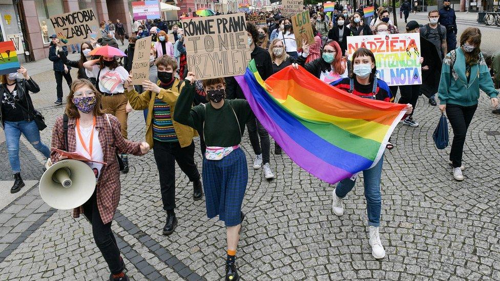 marš LGBT vo Vroclave v iюne 2020