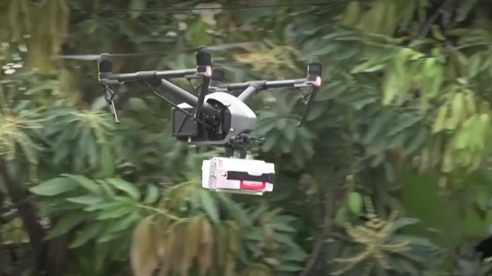 Mengantar obat dengan drone