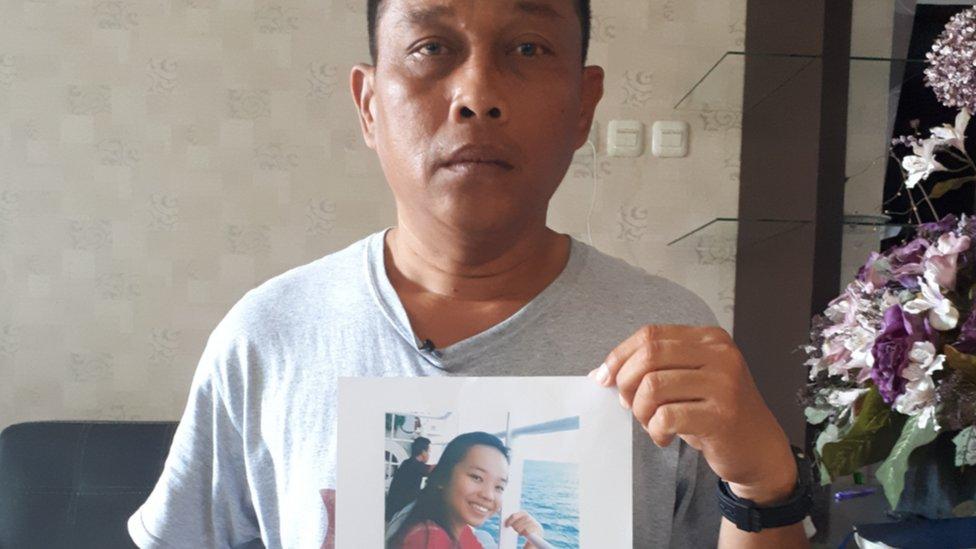 Micha, ayah yang mencari putrinya yang mengikuti kegiatan gereja saat gempa terjadi di Jono Oge.
