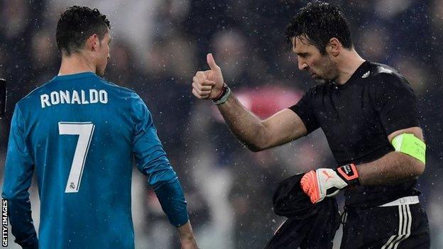 Ronaldo ha anotado nueve goles en sus 11 disparos contra el legendario  portero italiano Gianluigi Buffon a946c64a18afd