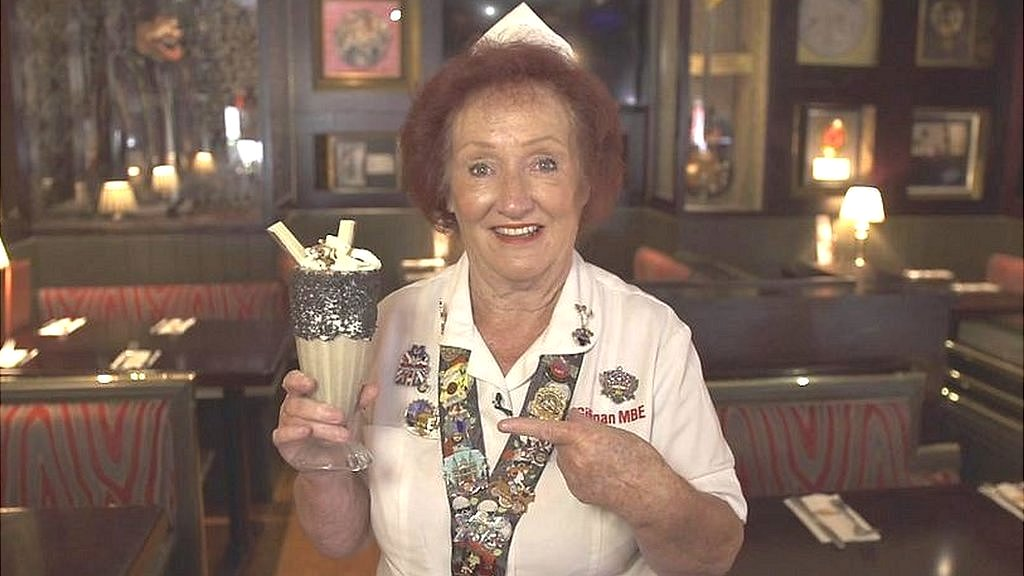 BBC News - Meet Rita - Hard Rock Cafe London's longest-serving waitress