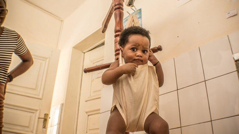 توصي منظمة الصحة العالمية بجرعتين من لقاح الحصبة لتوفير الحماية المثلى للأطفال