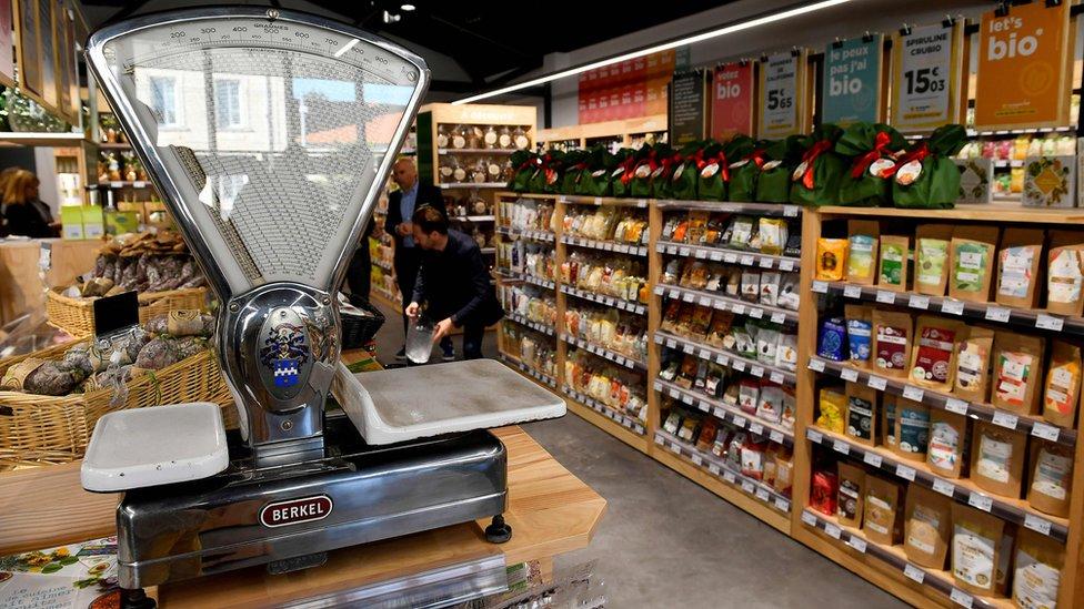 Un mercado de productos orgánicos en Francia.