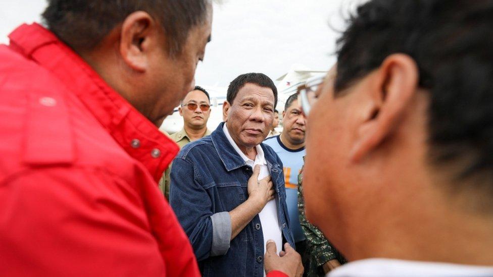 Rodrigo Duterte sa meštanima