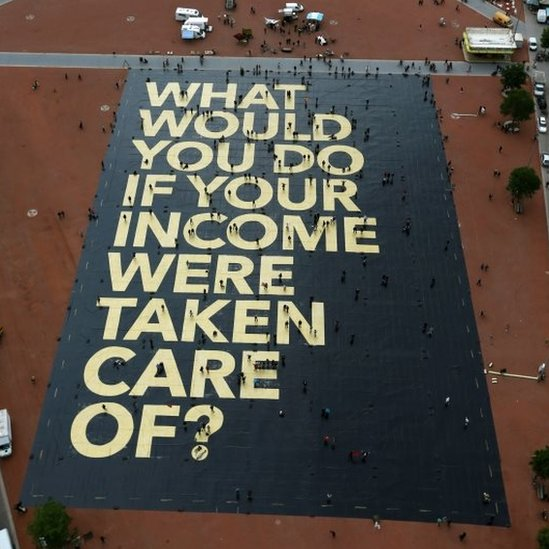 An 8,000sq m poster on the Plainpalais Square in Geneva (14 May 2016)